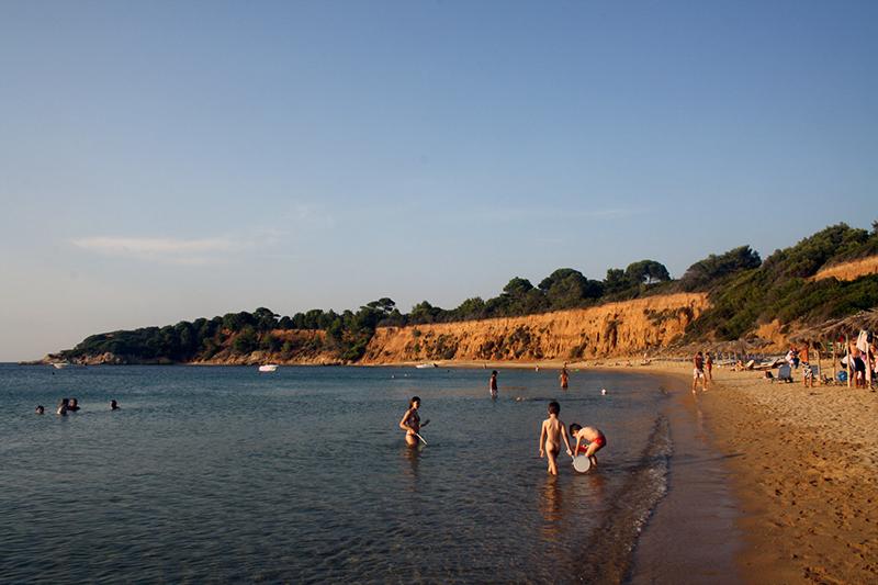 Mandraki strand-2