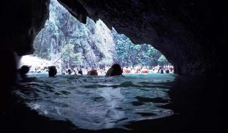 Besøg Emerald Cave – Den gemte lagune