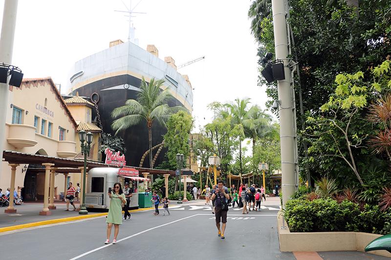 universa-lstudios-singapore-8