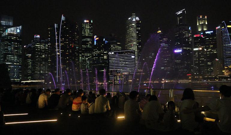Lys, vand og lydshow ved Marina Bay Sands
