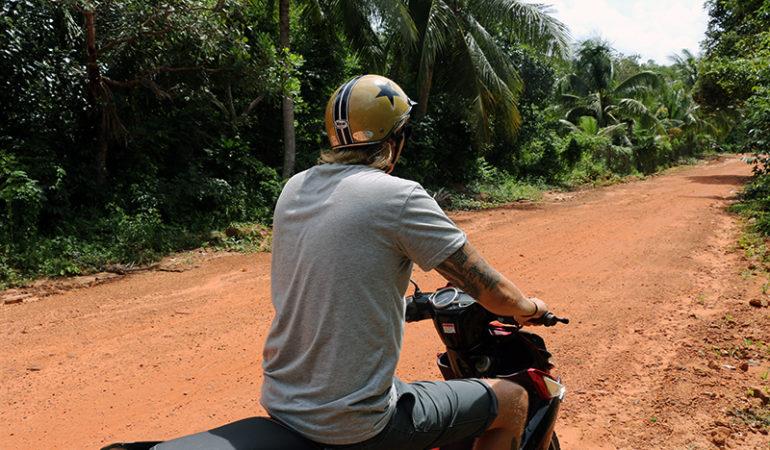 Oplev øen på scooter