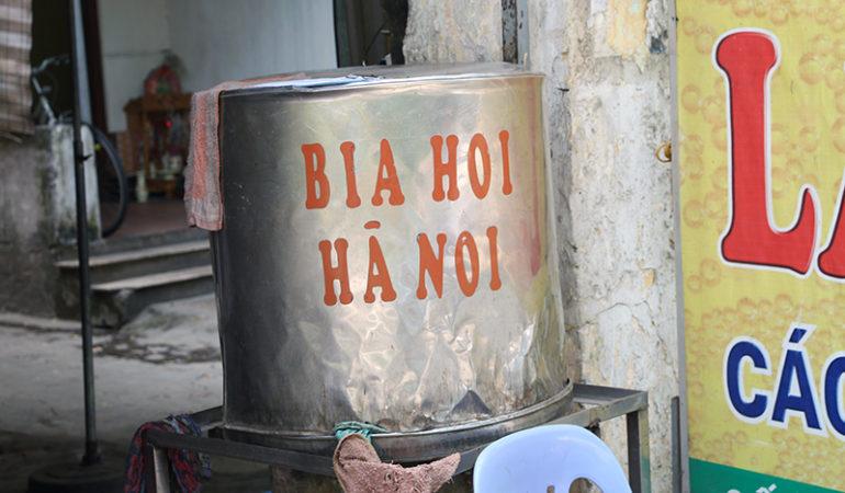 """Den vietnamesiske øl """"Bia Hoi"""""""